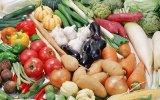 Первые овощи: как приготовить безопасный салат