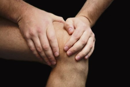 Травма головы к ногам пострадавшего необходимо приложить