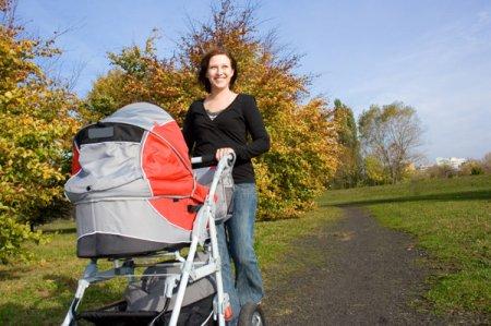 Ребенок в 2 месяца развитие и питание