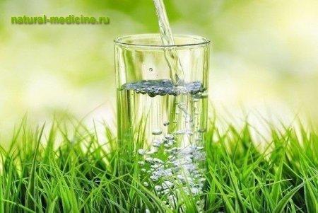 выпивайте стакан горячей воды